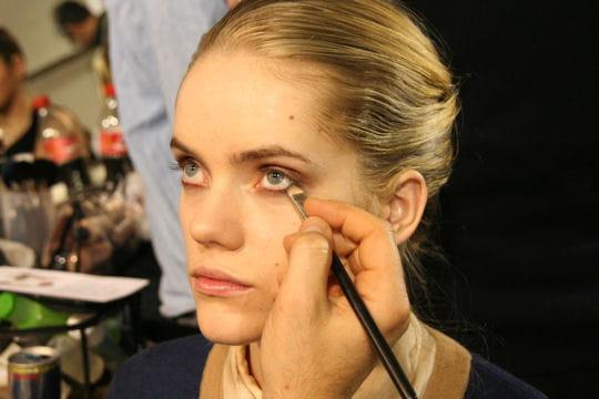 Maquillage: le travail d'estompe