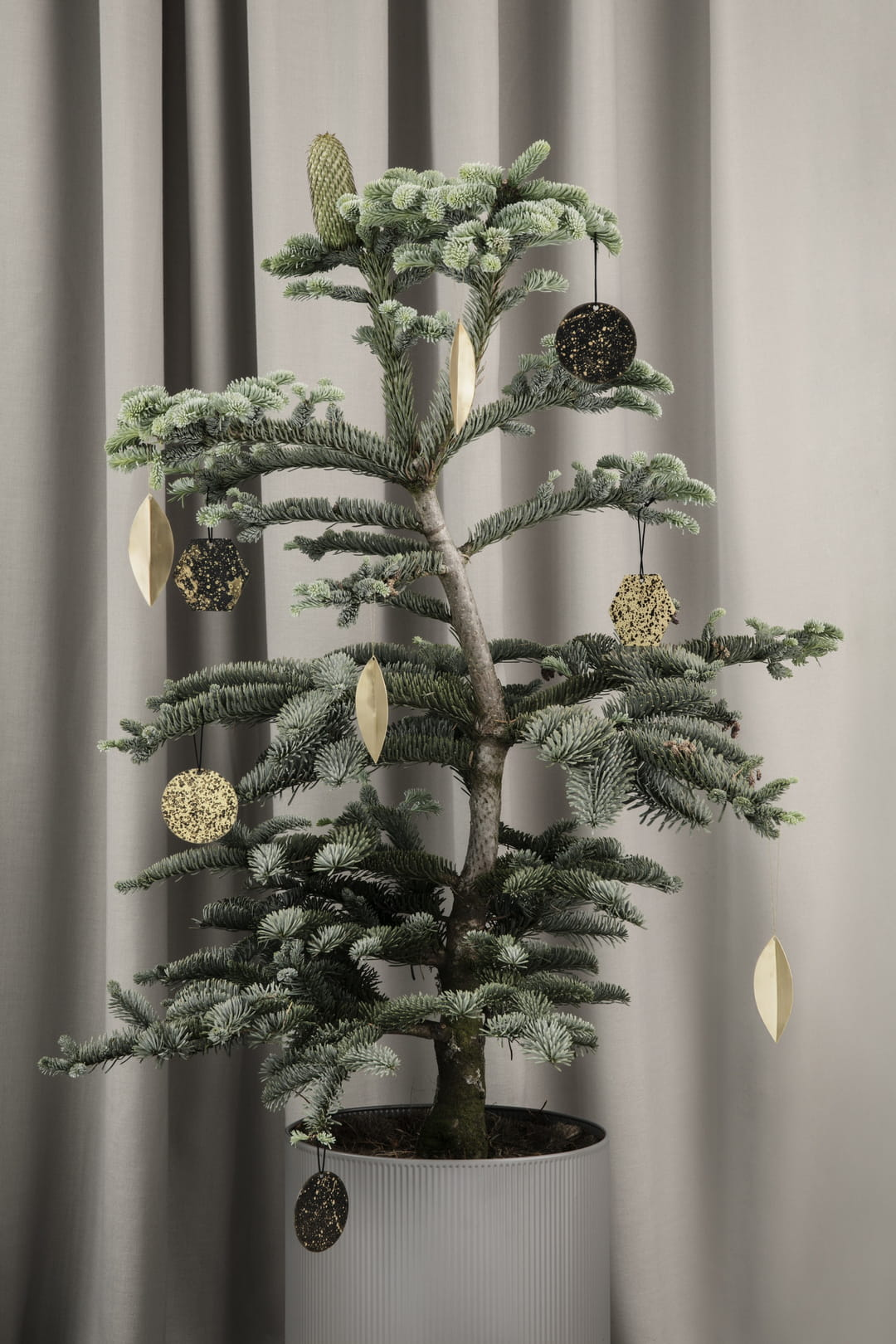 sapin-noel-decoration-doree