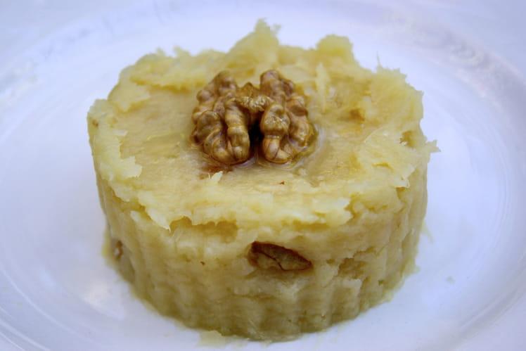recette ecras de pommes de terre aux noix la recette facile. Black Bedroom Furniture Sets. Home Design Ideas
