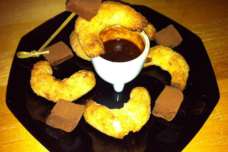 Café gourmand aux croissants et guimauves maison
