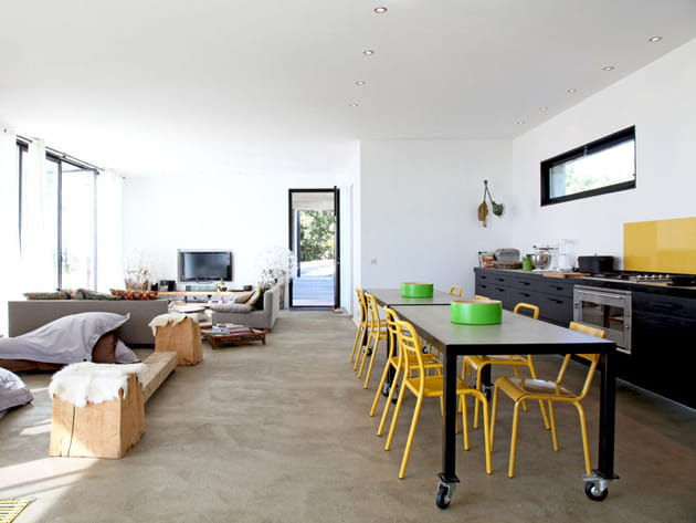 Une cuisine ouverte en longueur