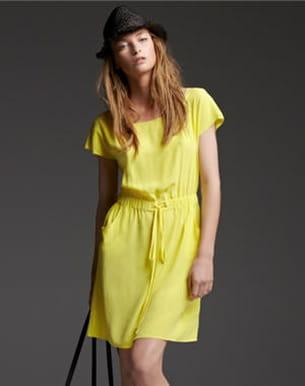robe jaune de les petites...