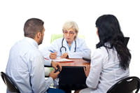 la consultation en couple chez le médecin permet de dédramatiser la situation.