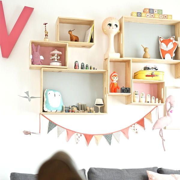 diy une compo d 39 tag res pastel pour chambre d 39 enfant. Black Bedroom Furniture Sets. Home Design Ideas