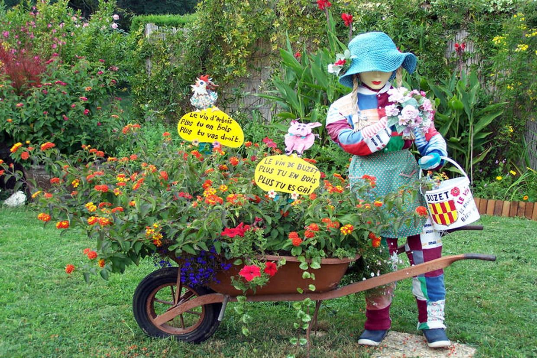 La Jardini Re Et Sa Brouette