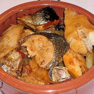 caldeirada de peixe (bouillabaisse de poisson)