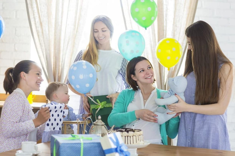 Idée Cadeau Baby Shower 12 idées de jeux pour une baby shower entre filles