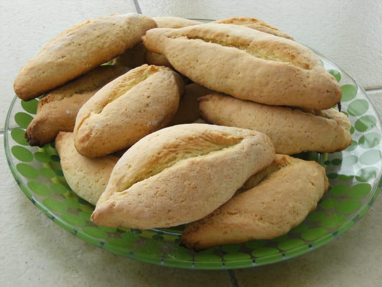 Recette de navettes la recette facile - Cuisine marseillaise recettes ...