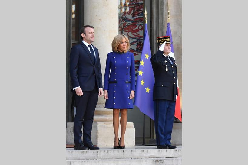 0801489aa19f Les looks de Brigitte Macron