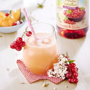cocktail pétillant aux groseilles et melon
