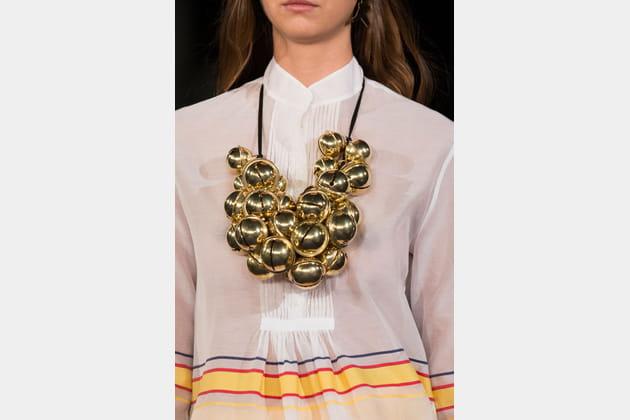 Le collier grelots du défilé Alexis Mabille