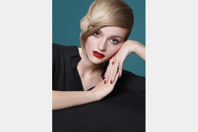 Le blond nuancé de Camille Albane