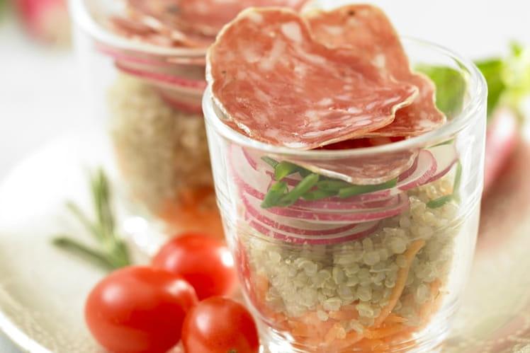 Verrines de quinoa et saucisson sec
