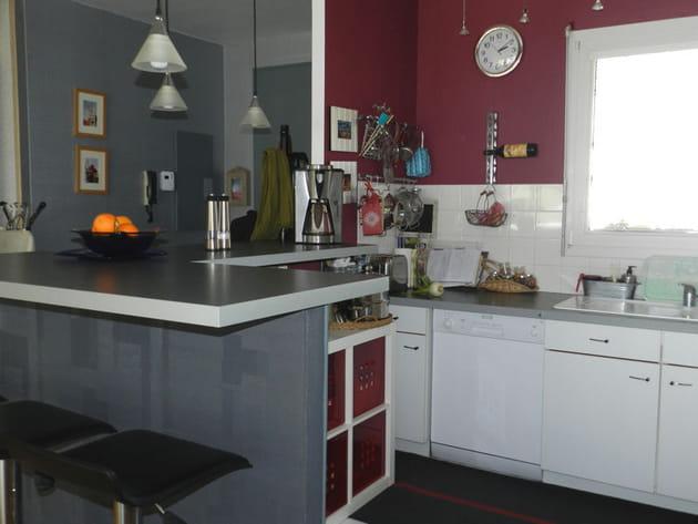 Cuisine bordeaux et gris - Cuisine rouge et gris ...