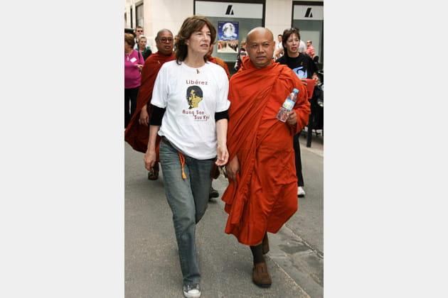 Lors d'une marche en faveur de la Birmanie au 61e Festival de Cannes, 2008