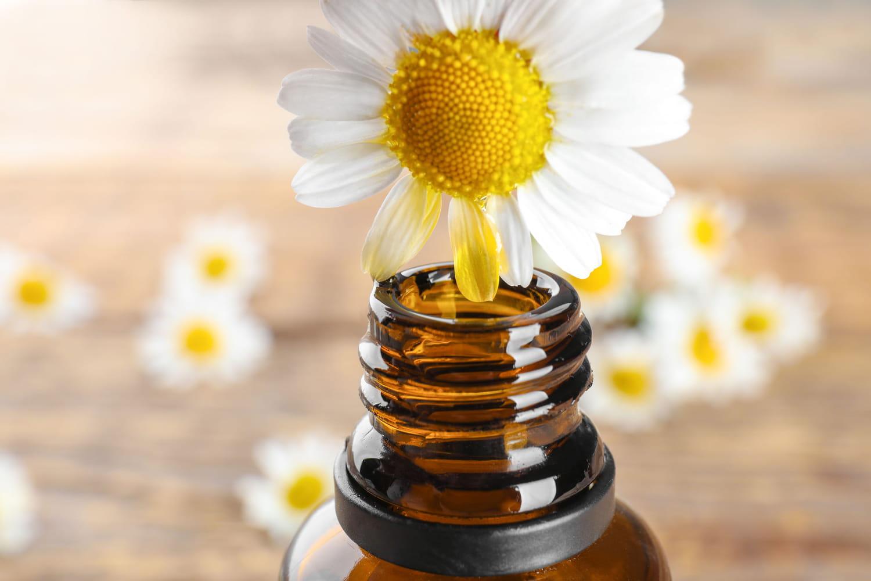 Quelles sont les huiles essentielles à éviter au soleil?