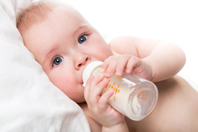 Comment Rafraichir Une Chambre De Bébé canicule : comment aider bébé à supporter la chaleur ?