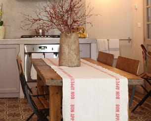 cr er un chemin de table. Black Bedroom Furniture Sets. Home Design Ideas