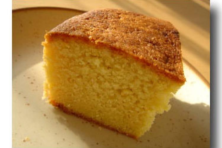 Cake aux amandes au rhum
