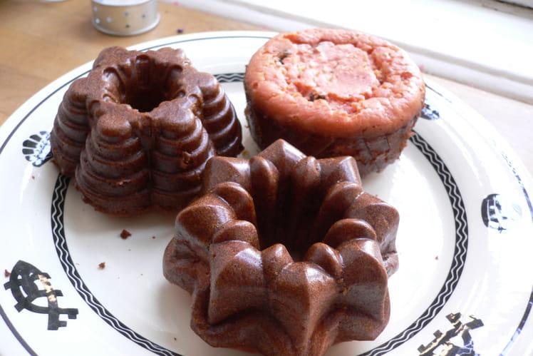 Petits gâteaux roses à l'orange sanguine