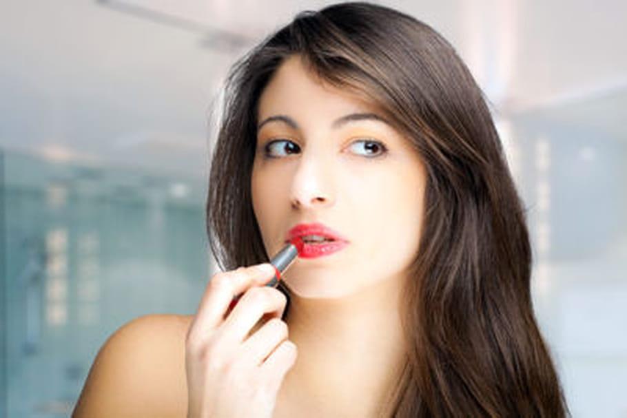 Quel rouge à lèvres tient le mieux?