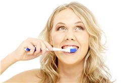 le brossage de dents régulier et sérieux est le meilleur moyen de conserver