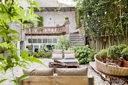 maison de campagne des demeures au charme authentique et rustique. Black Bedroom Furniture Sets. Home Design Ideas