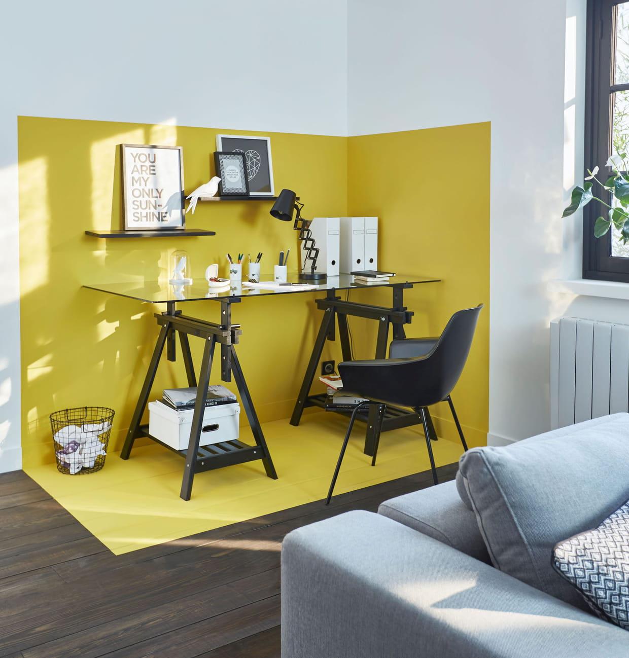 un coin bureau en jaune. Black Bedroom Furniture Sets. Home Design Ideas