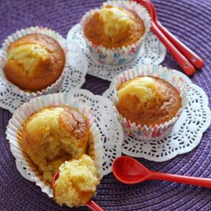 madeleines fourrées à la confiture d'abricots