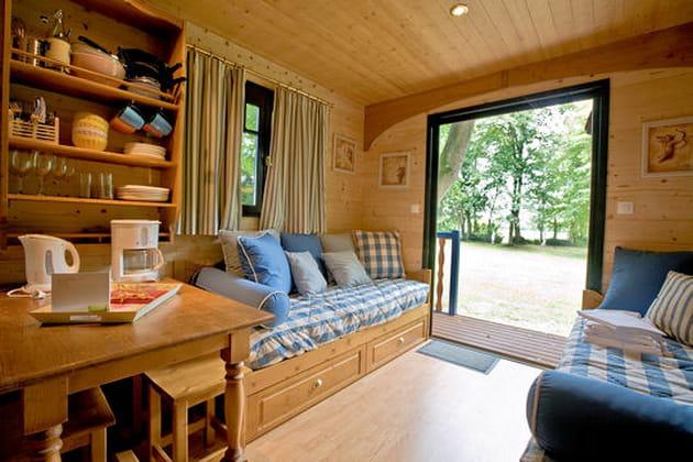 une vue sur la nature. Black Bedroom Furniture Sets. Home Design Ideas