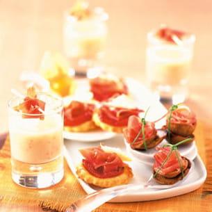 mini-feuilletés au jambon sec, tomate, chèvre