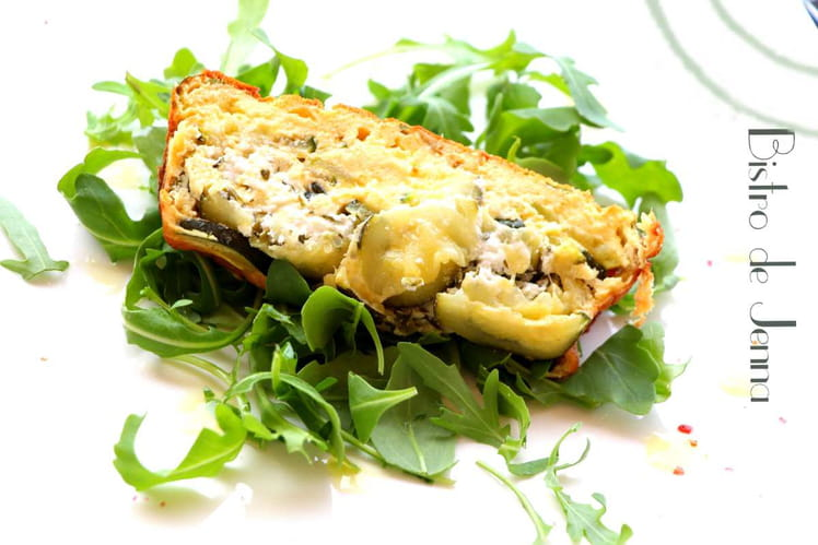 Cake aux courgettes, fêta et fromage de chèvre