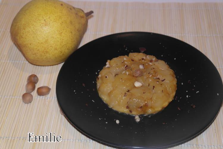 Tartelette Tatin aux poires et aux noisettes