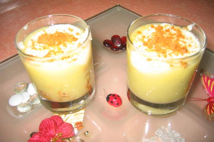 Compote de rhubarbe en verrine et semoule au lait