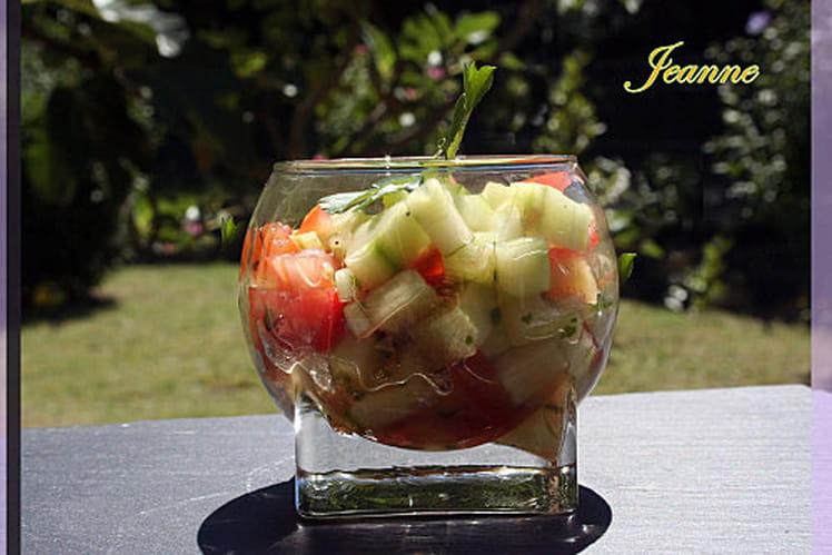 Verrines de concombre, tomates et coriandre