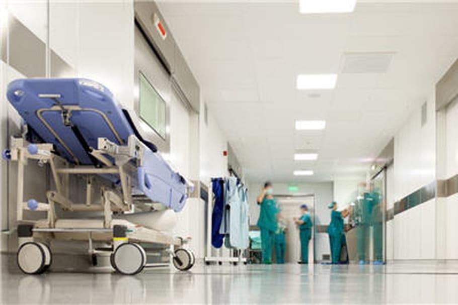Elle décède dans la salle d'attente des urgences 5 heures après son admission