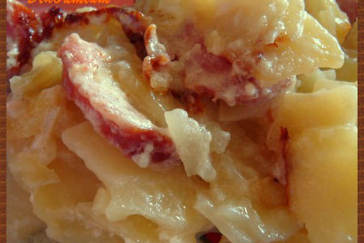 Gratin de pommes de terre à la saucisse de Morteau