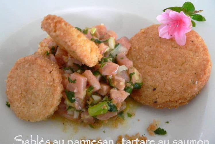 Sablés au parmesan, tartare de saumon