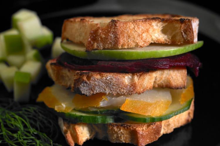 Mini club-sandwichs de Banette Epeautre, son flétan et ses crudités d'hiver