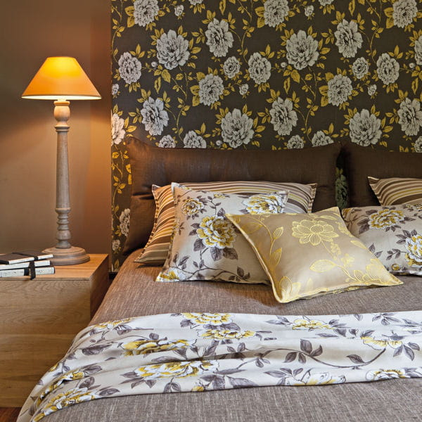 papier peint teatime curcuma d 39 heytens. Black Bedroom Furniture Sets. Home Design Ideas