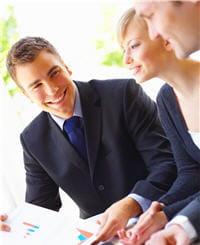 les personnes qui sourient ont l'air plus compétent.