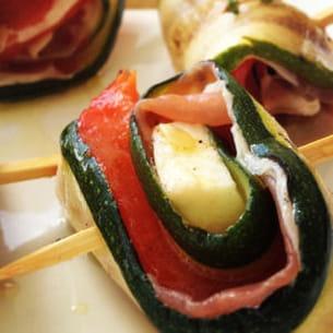 roulés de courgettes et poivrons grillés