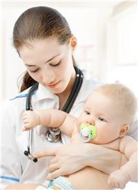 premier réflexe du pédiatre : s'assurer que l'enfant n'est pas déshydraté.