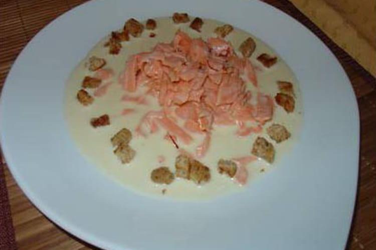 Emincé de saumon fumé tiède au safran