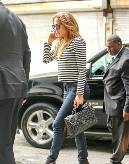 "Jennifer Lopez et son ""Timeless"" de Chanel"