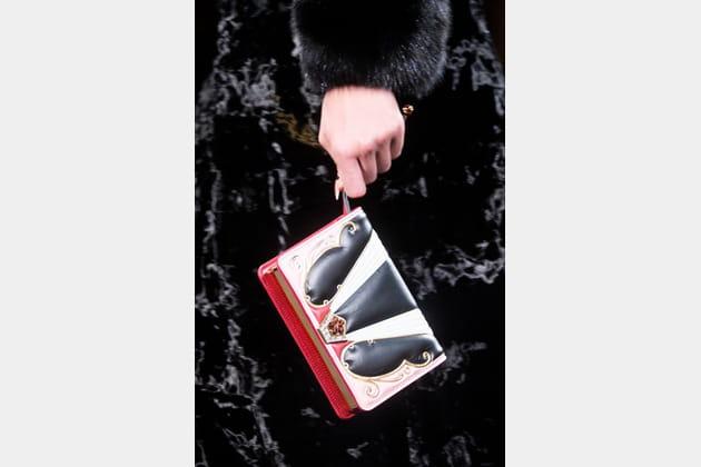 Fendi Couture (Close Up) - photo 30