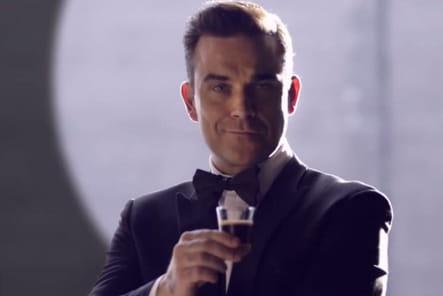 Robbie Williams, agent secret pour Café Royal