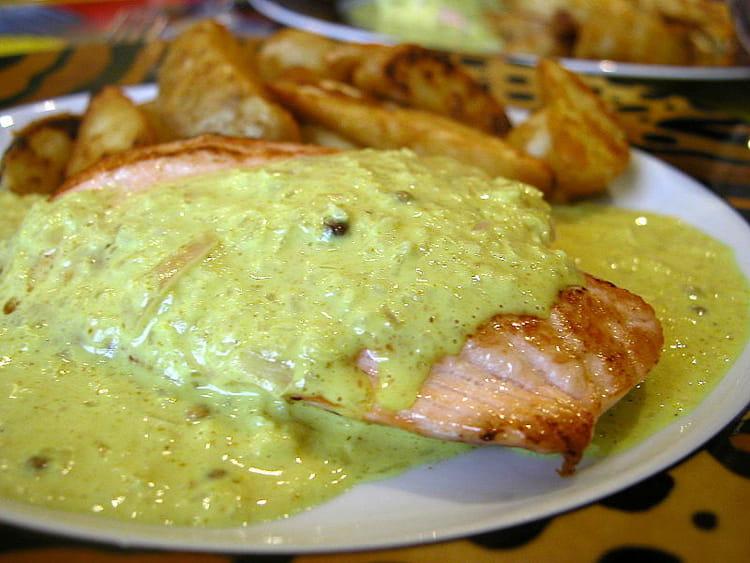 recette de pavé de saumon au curry et graines de coriandre : la