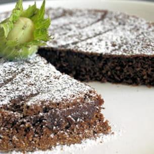gâteau moelleux chocolat-noisette