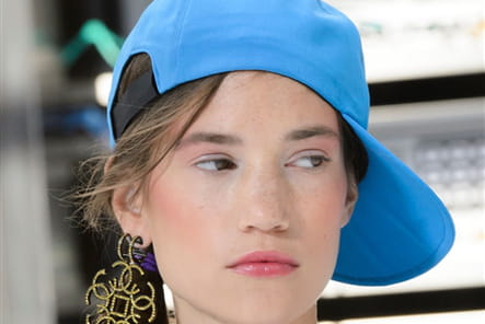 Chanel (Close Up) - photo 26